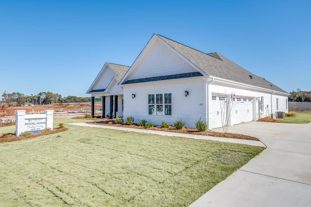 3,088sf New Home in Dothan City Limits, AL