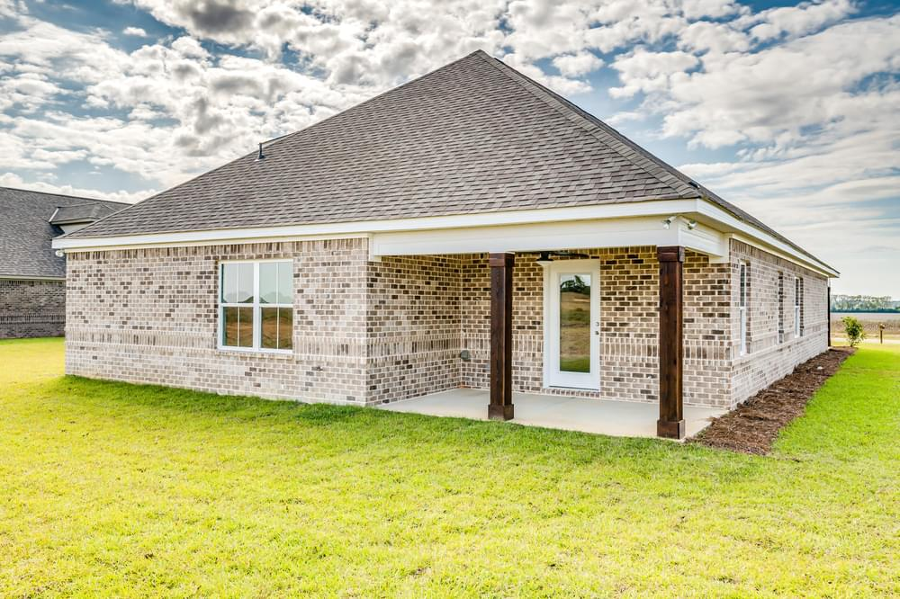 2,614sf New Home in Smiths Station, AL