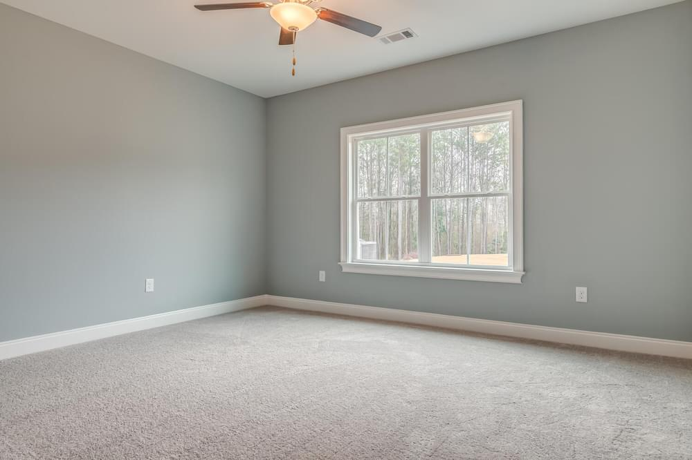 4br New Home in Smiths Station, AL