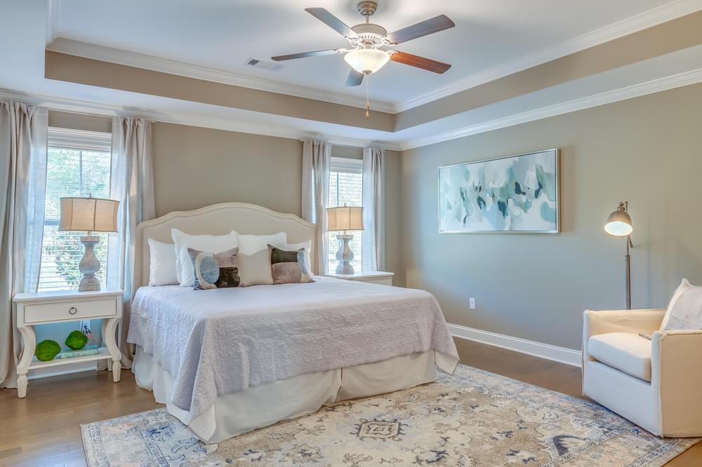 Rosewood Home with 4 Bedrooms